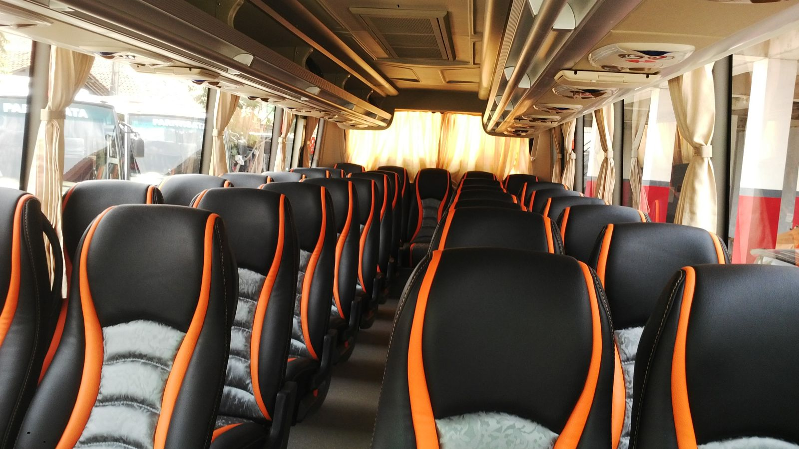 sewa-bus-mega-citra-pariwisata